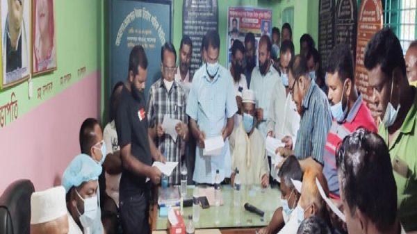 যশোর অভয়নগরে নওয়াপাড়া ইমারত শ্রমিক ইউনিয়নের নবনির্বাচিত কমিটির শপথ গ্রহণ