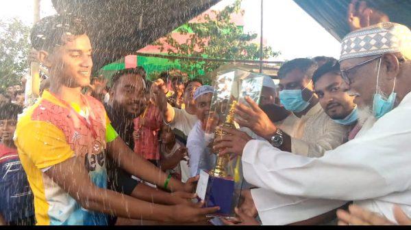 মুজিব শর্তবার্ষিকী উপলক্ষে দরজার পাড় নয়াকান্দী প্রিমিয়ার ফুটবল টুনামেন্টের ফাইনাল অনুষ্ঠিত